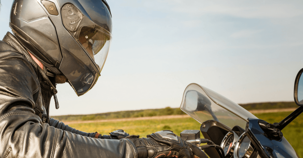 Motorcycle helmet use results in fewer post-crash neck injuries and fractures